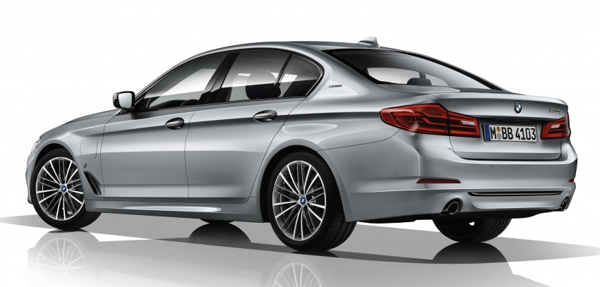 G30 BMW 5 Series unveiled – market debut in Feb 2017 Image #563025
