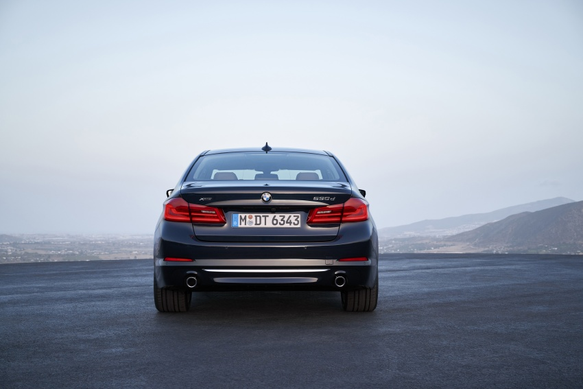 G30 BMW 5 Series unveiled – market debut in Feb 2017 Image #562964