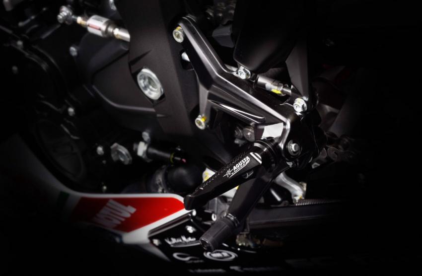 MV Agusta keluarkan model edisi khas F3 Reparto Corse – dua pilihan kapasiti enjin, terhad 350 unit Image #563014