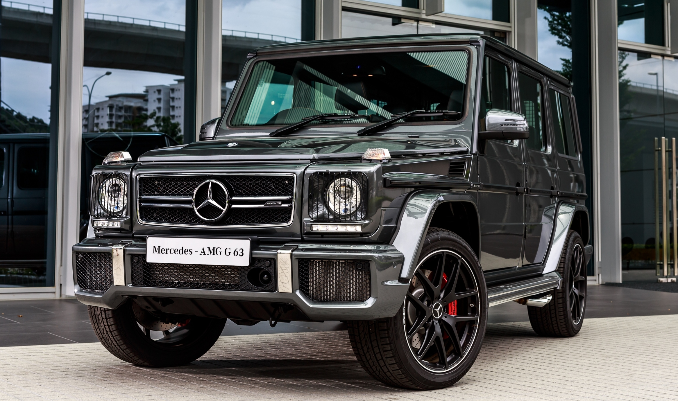 mercedes benz g class facelift launched in malaysia mercedes amg g63 edition 463 rm1 181 888. Black Bedroom Furniture Sets. Home Design Ideas