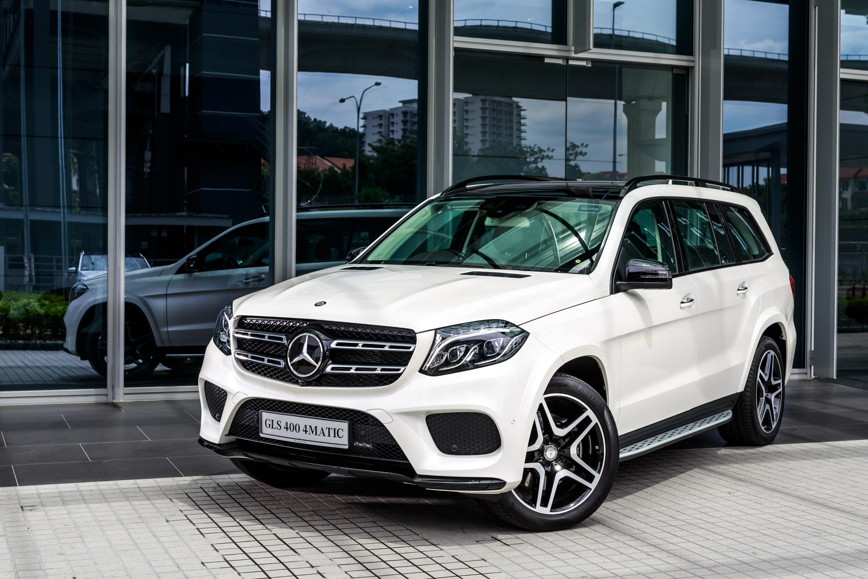 Mercedes benz gls 400 4matic dilancar rm889k paul tan for Mercedes benz gls 2016
