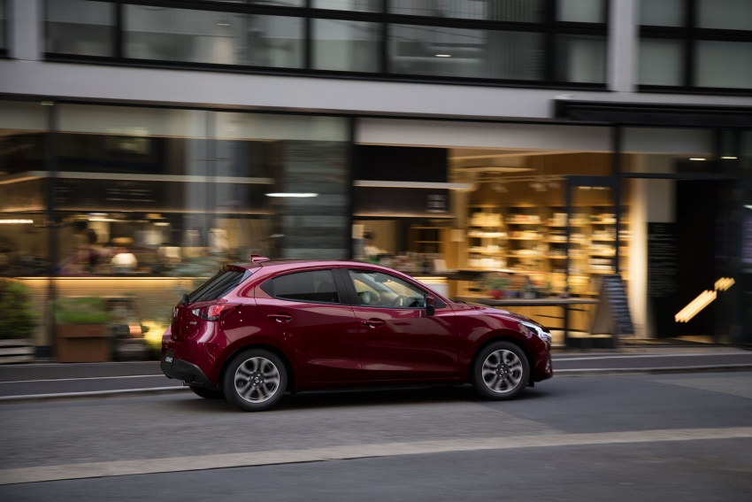 Mazda 2 and CX-3 updated with G-Vectoring Control Image #563928