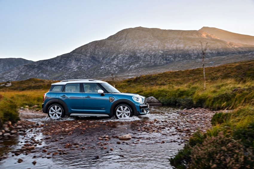 F60 MINI Countryman revealed – larger, with more tech Image #569202