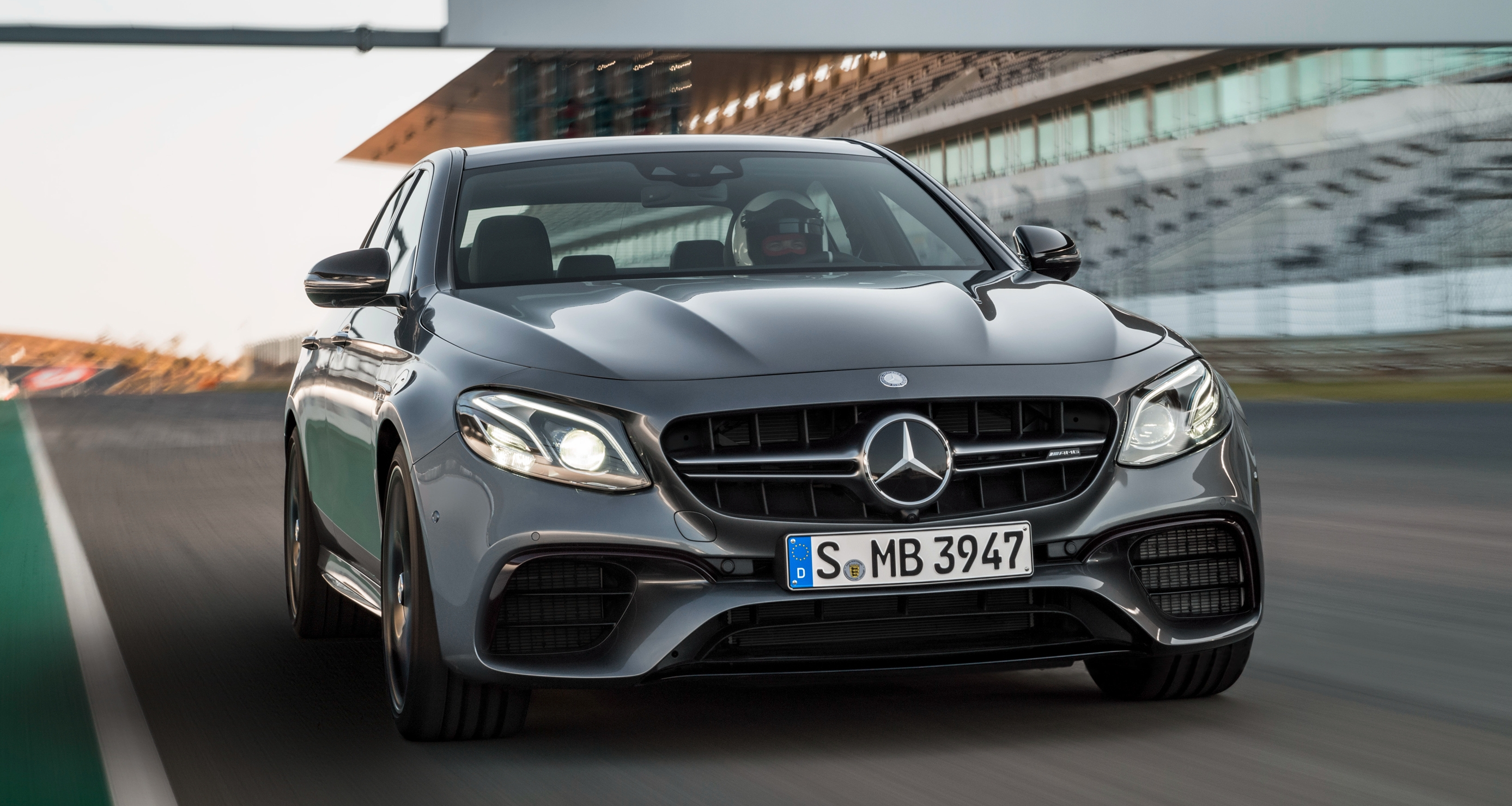 W213 mercedes amg e63 4matic and e63 s 4matic debuts for Mercedes benz e63s