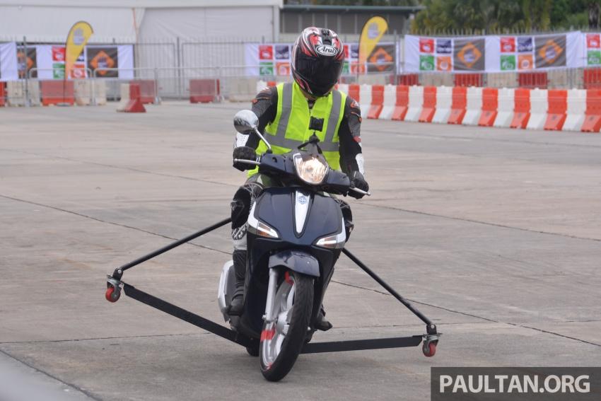 Bosch demos motorcycle ABS at Global NCAP Sepang Image #585801