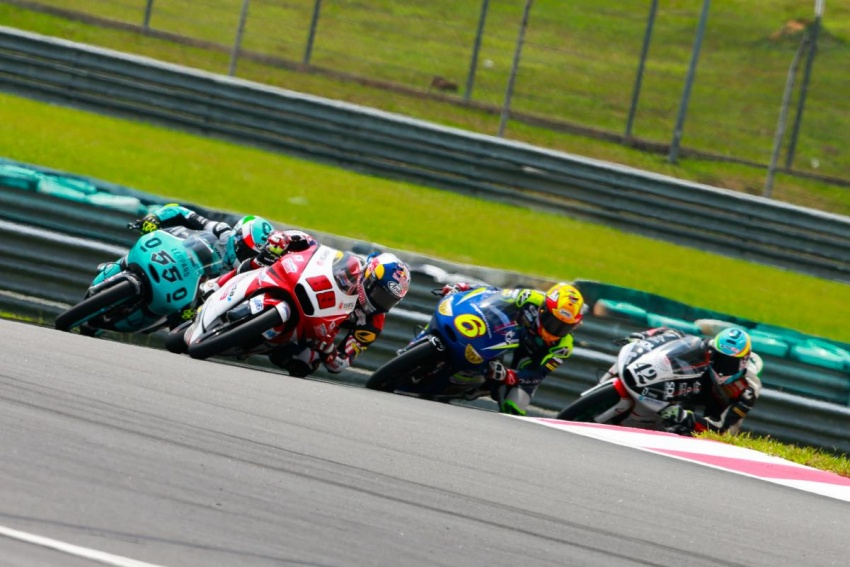 2016 Malaysian MotoGP draws record crowd of 160k Image #573075