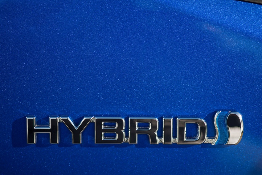 GALERI: Toyota C-HR – gambar perincian tambahan Image #579000