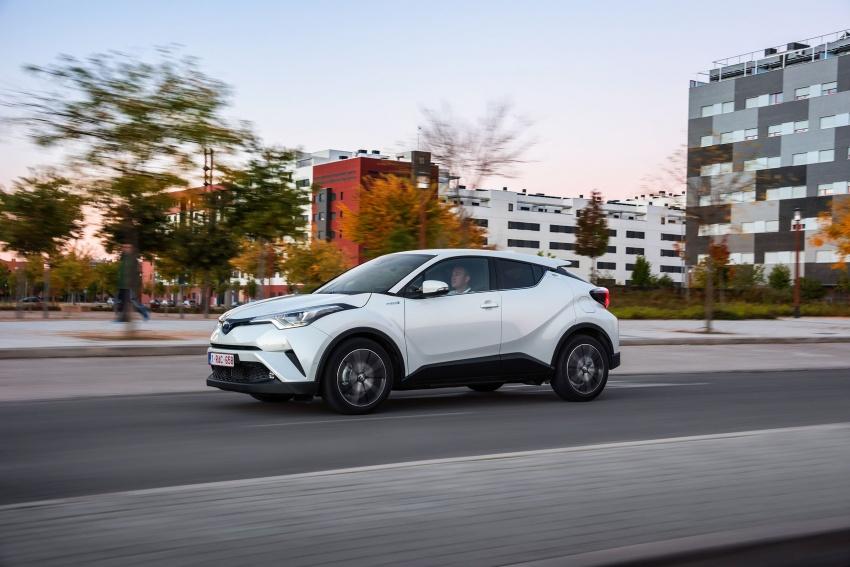GALERI: Toyota C-HR – gambar perincian tambahan Image #579017