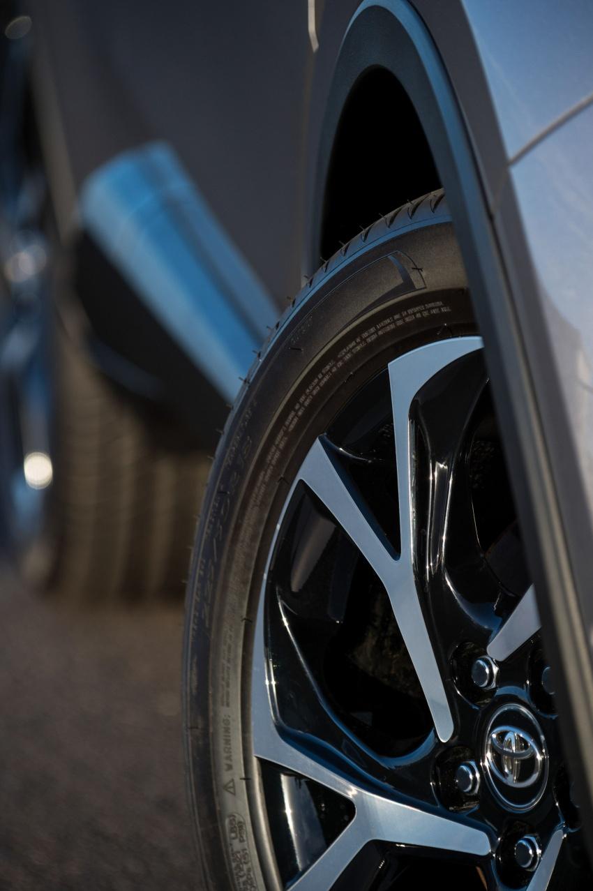 GALERI: Toyota C-HR – gambar perincian tambahan Image #578954