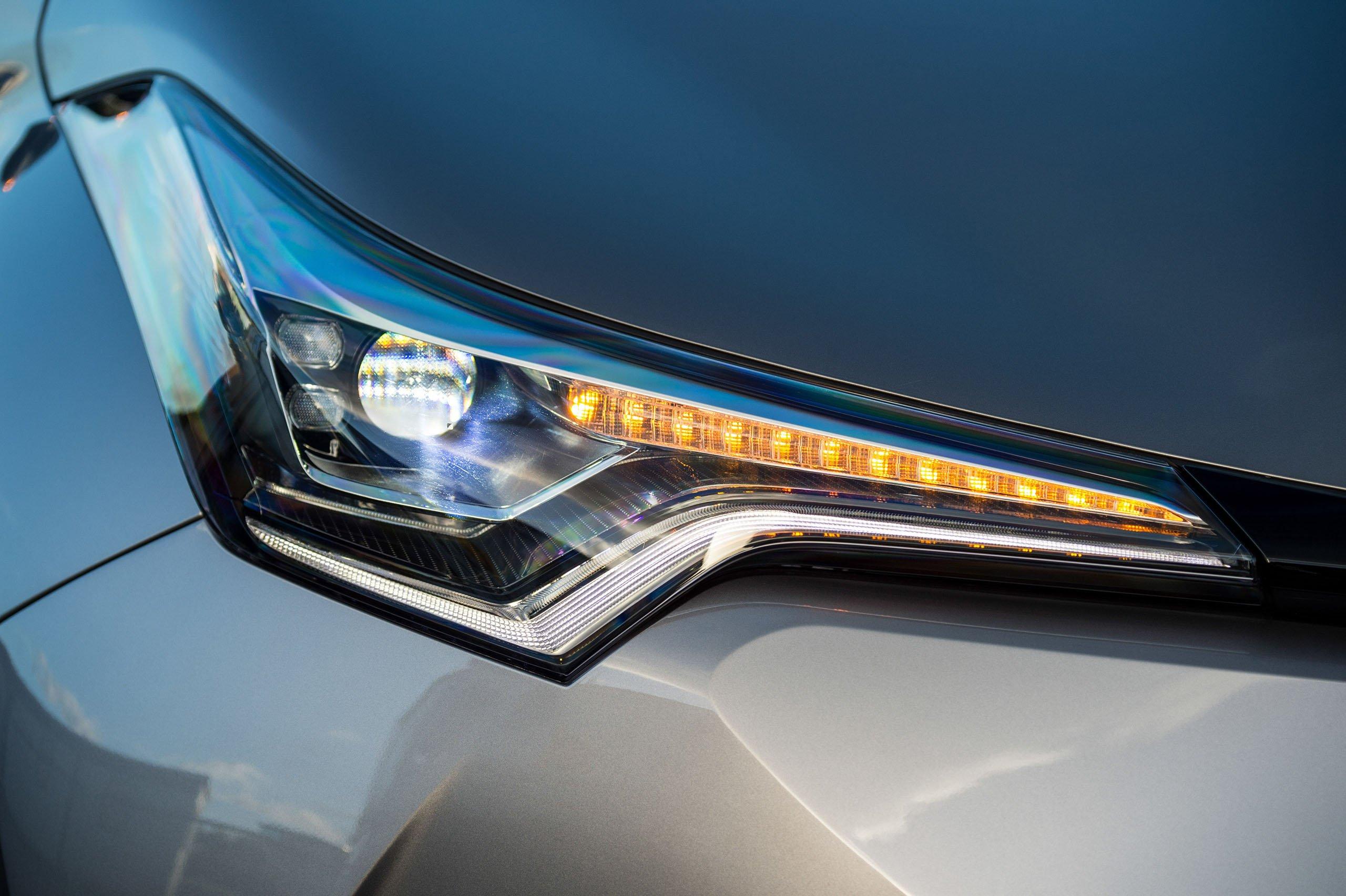 GALERI: Toyota C-HR – gambar perincian tambahan Paul Tan ...