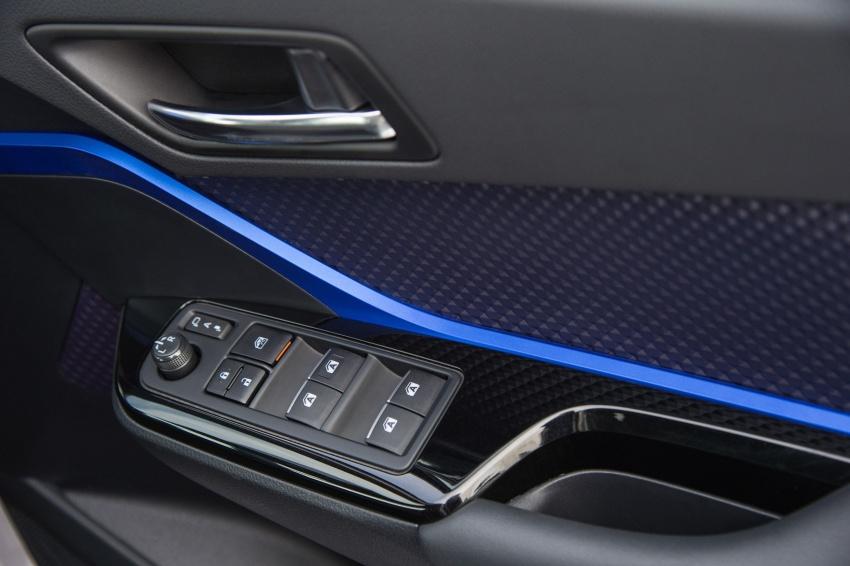 GALERI: Toyota C-HR – gambar perincian tambahan Image #579059