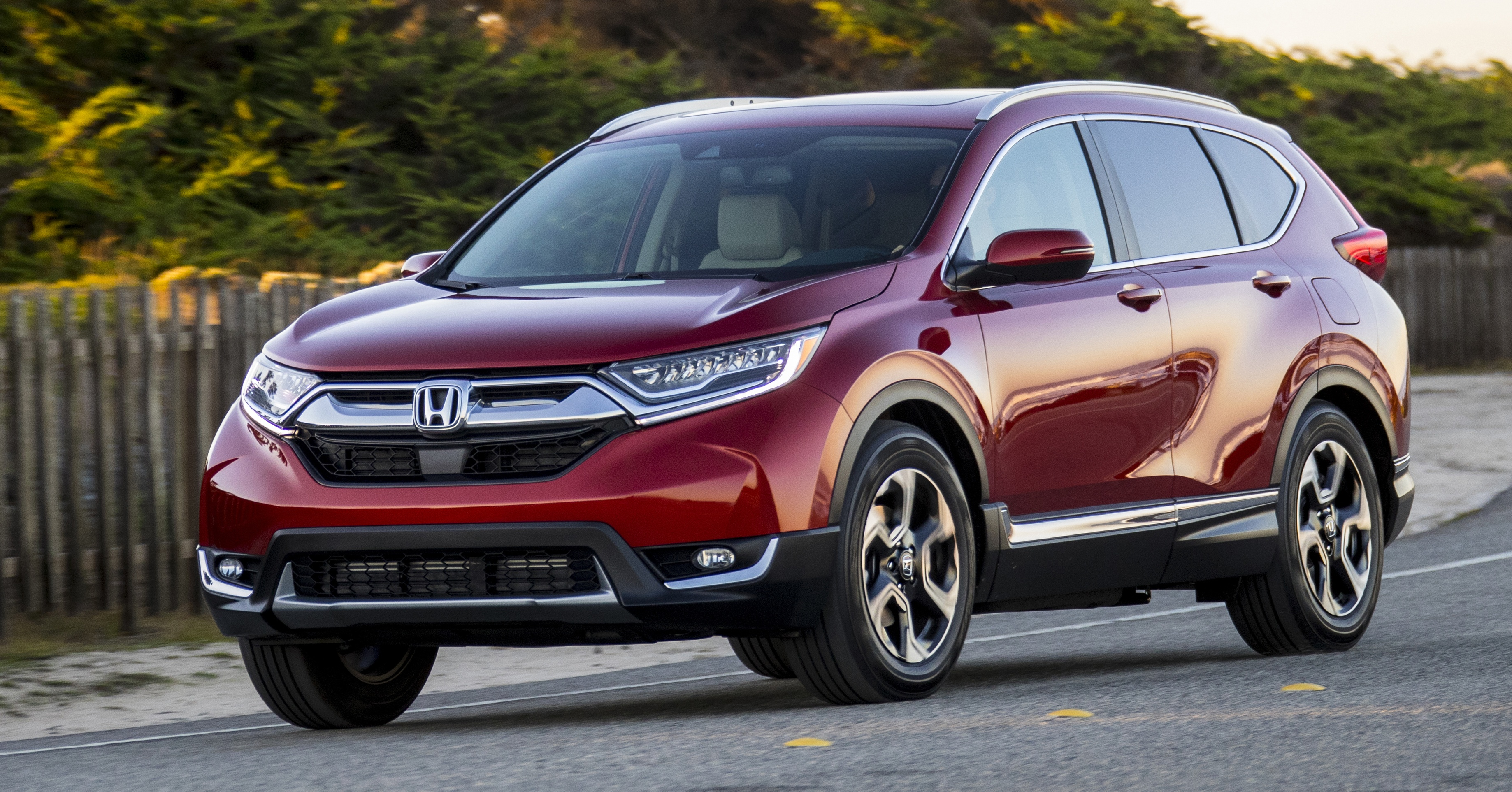 MEGA GALLERY: 2017 Honda CR-V gets showcased