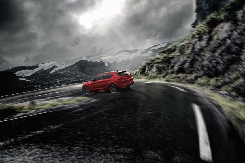 Alfa Romeo Stelvio – brand's first crossover debuts Image #582184