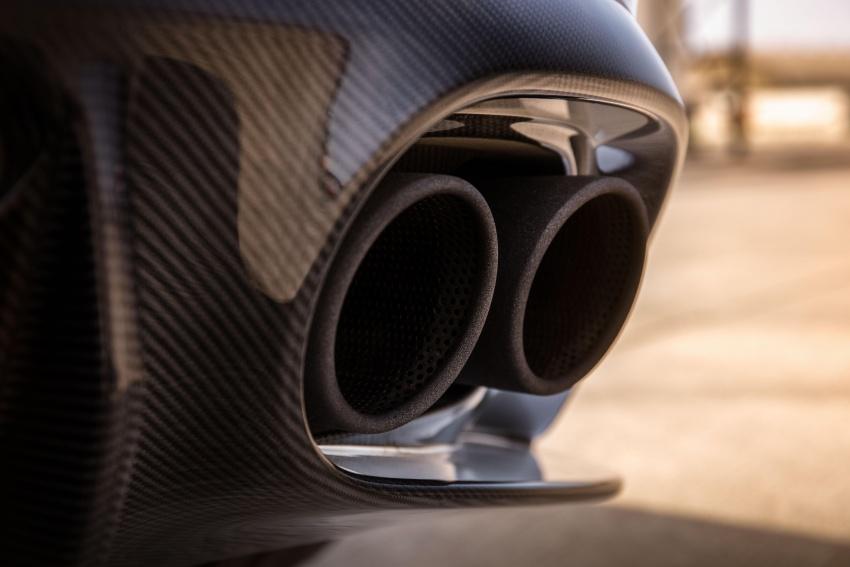 Aston Martin Vanquish S – long live the V12 engine Image #580461