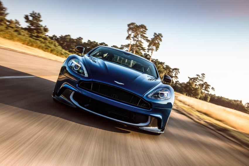 Aston Martin Vanquish S – long live the V12 engine Image #580454