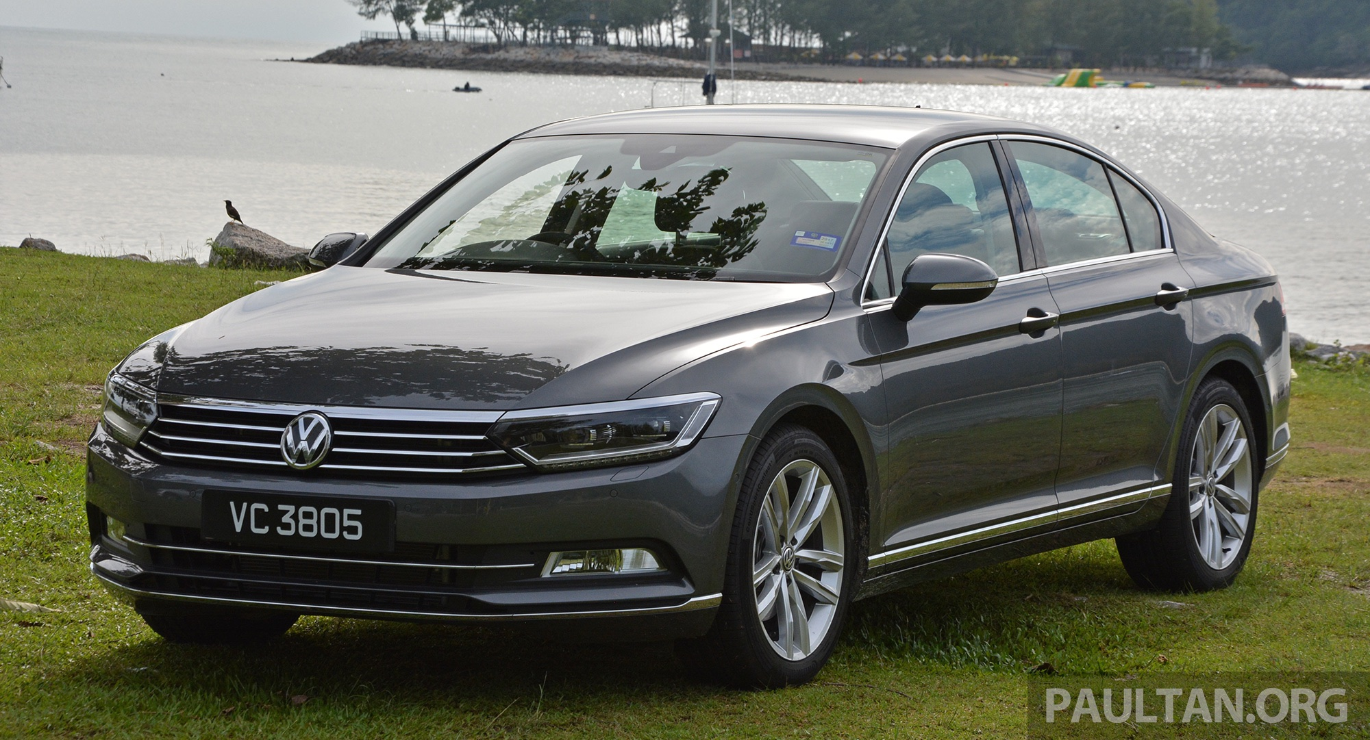 driven b8 volkswagen passat 1 8 tsi and 2 0 tsi malaysia review. Black Bedroom Furniture Sets. Home Design Ideas