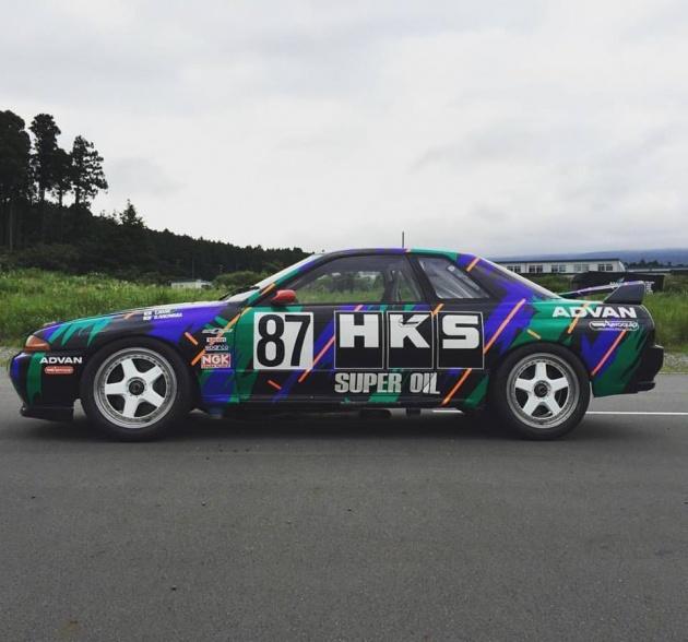 hks-r32