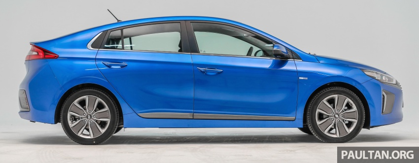Hyundai Ioniq Hybrid in Malaysia: CKD, 7 airbags, from RM100k; RM111k with AEB and Smart Cruise Control Image #585347
