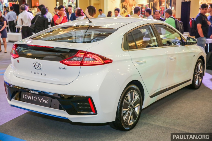 Hyundai Ioniq Hybrid in Malaysia: CKD, 7 airbags, from RM100k; RM111k with AEB and Smart Cruise Control Image #585860