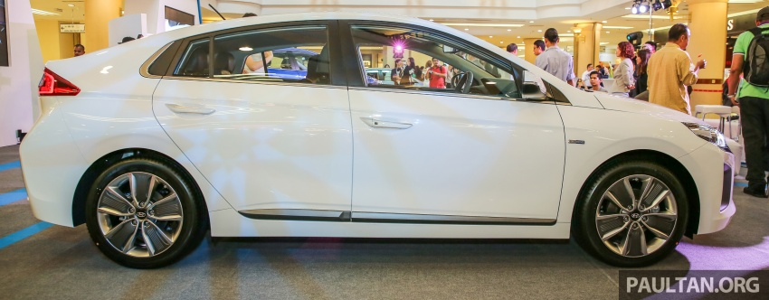 Hyundai Ioniq Hybrid in Malaysia: CKD, 7 airbags, from RM100k; RM111k with AEB and Smart Cruise Control Image #585864