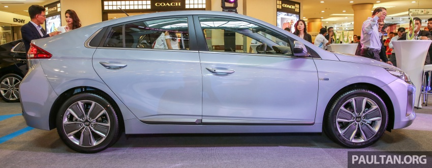 Hyundai Ioniq Hybrid in Malaysia: CKD, 7 airbags, from RM100k; RM111k with AEB and Smart Cruise Control Image #585821