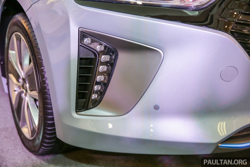 Hyundai Ioniq Hybrid in Malaysia: CKD, 7 airbags, from RM100k; RM111k with AEB and Smart Cruise Control Image #585824