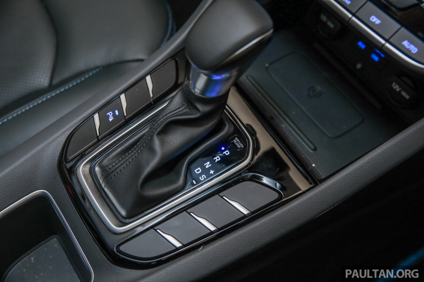 Hyundai Ioniq Hybrid in Malaysia: CKD, 7 airbags, from RM100k; RM111k with AEB and Smart Cruise Control Image #585417