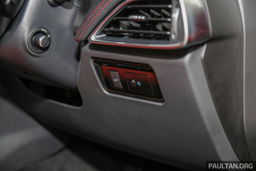 Jaguar F-Pace dilancarkan di Malaysia – 3.0L supercaj V6, varian Prestige, R Sport, harga dari RM599k Image #585493