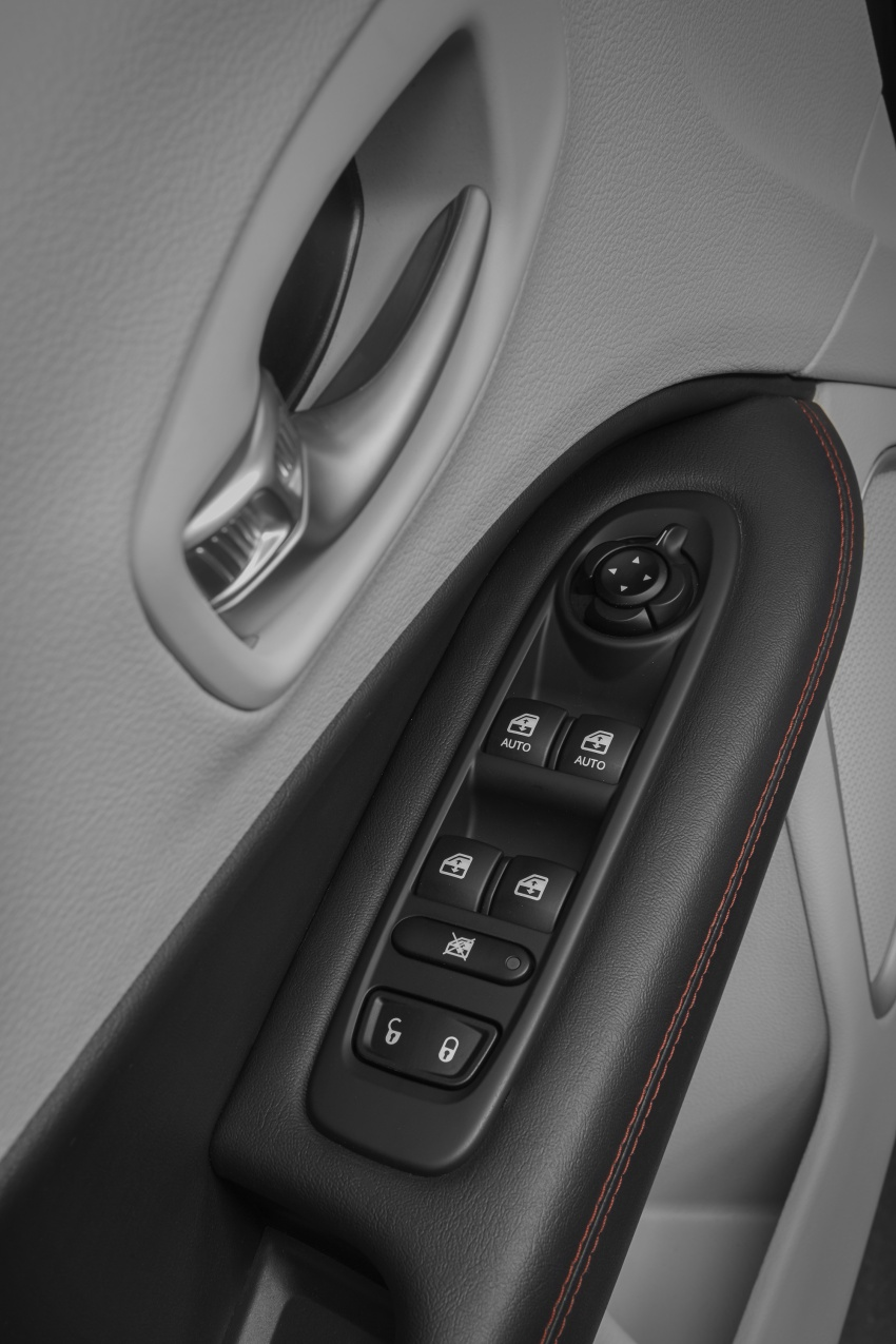 2017 Jeep Compass – full details of the compact SUV Image #582385