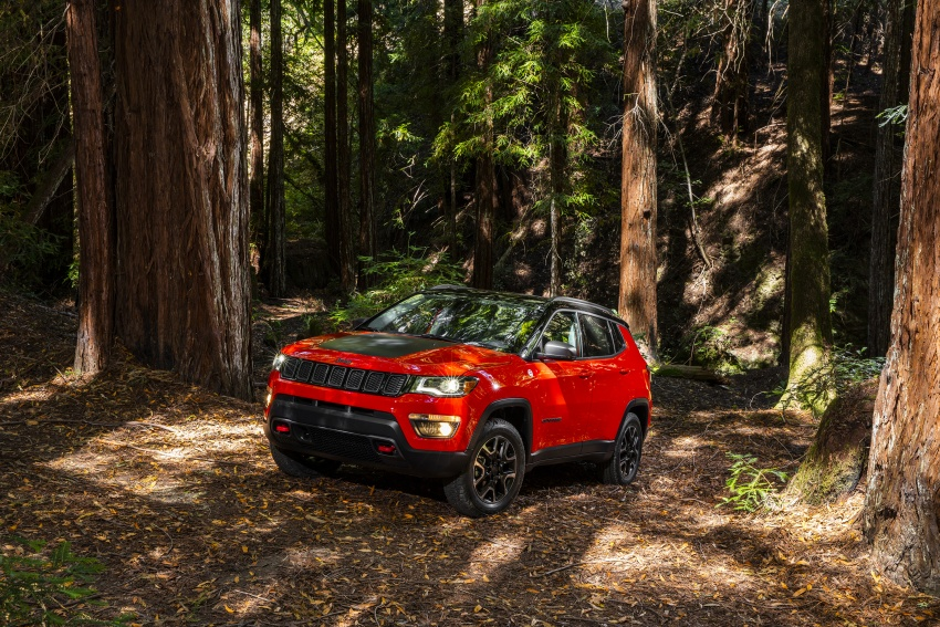 2017 Jeep Compass – full details of the compact SUV Image #582393