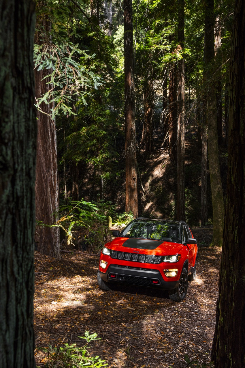 2017 Jeep Compass – full details of the compact SUV Image #582396
