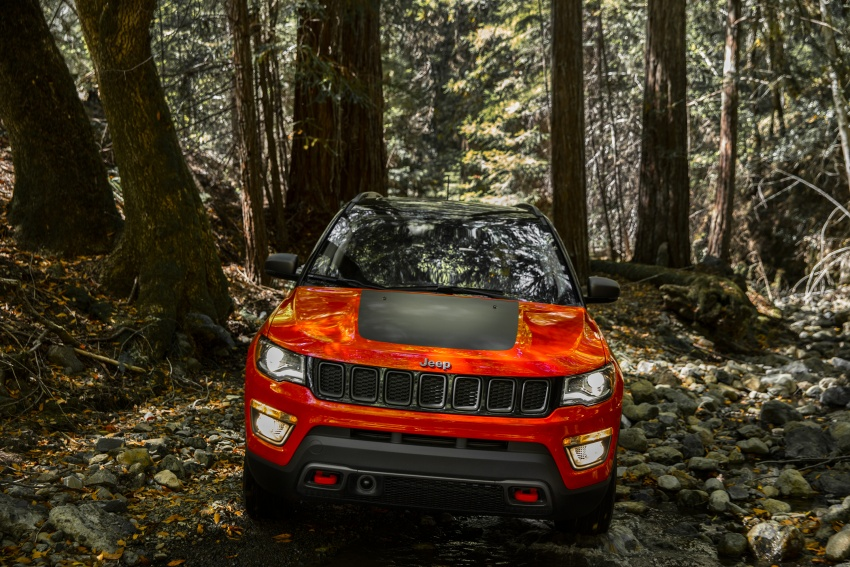 2017 Jeep Compass – full details of the compact SUV Image #582397