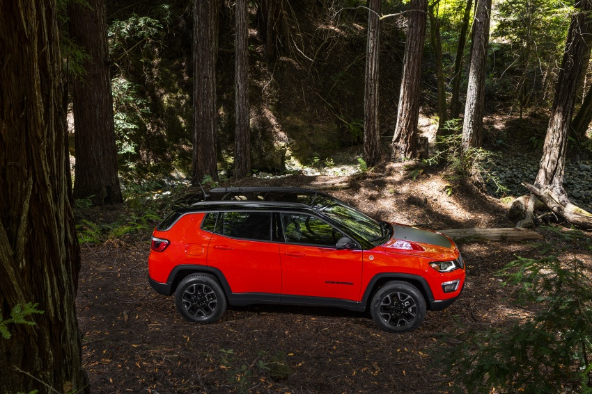 2017 Jeep Compass – full details of the compact SUV Image #582423