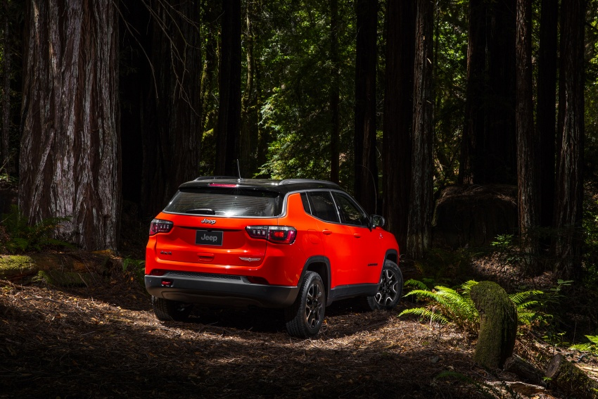 2017 Jeep Compass – full details of the compact SUV Image #582436