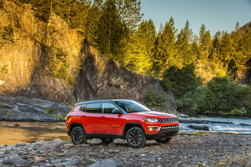 2017 Jeep Compass – full details of the compact SUV Image #582443