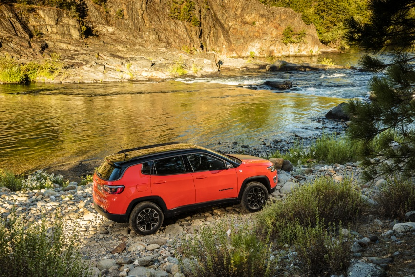 2017 Jeep Compass – full details of the compact SUV Image #582457
