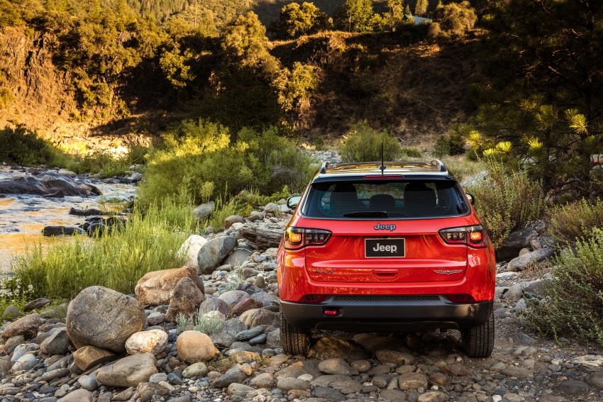 2017 Jeep Compass – full details of the compact SUV Image #582459