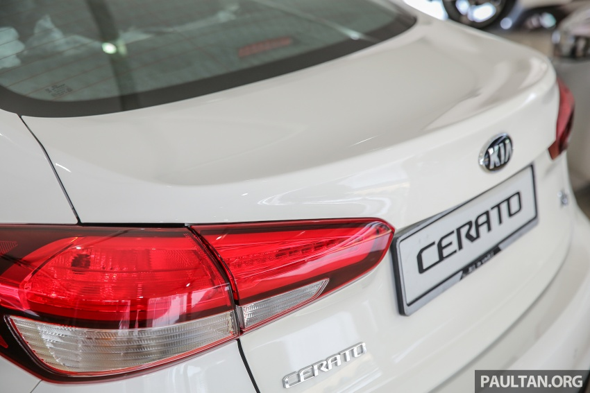 Kia Cerato facelift now in showrooms – KX, 1.6L, 2.0L Image #572778
