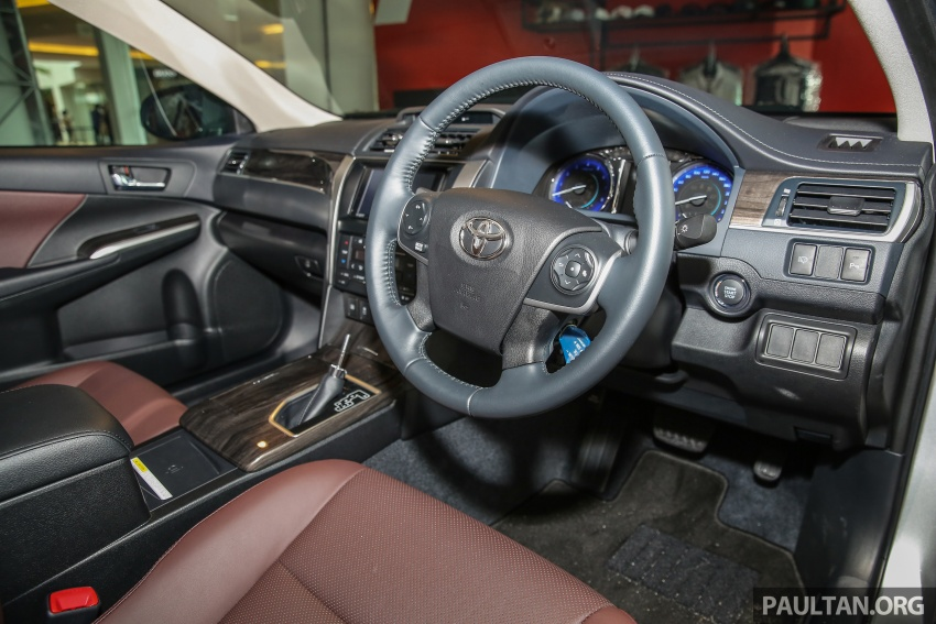 GALLERY: New Toyota Camry 2.0G X shown at Mitsui Image #584975