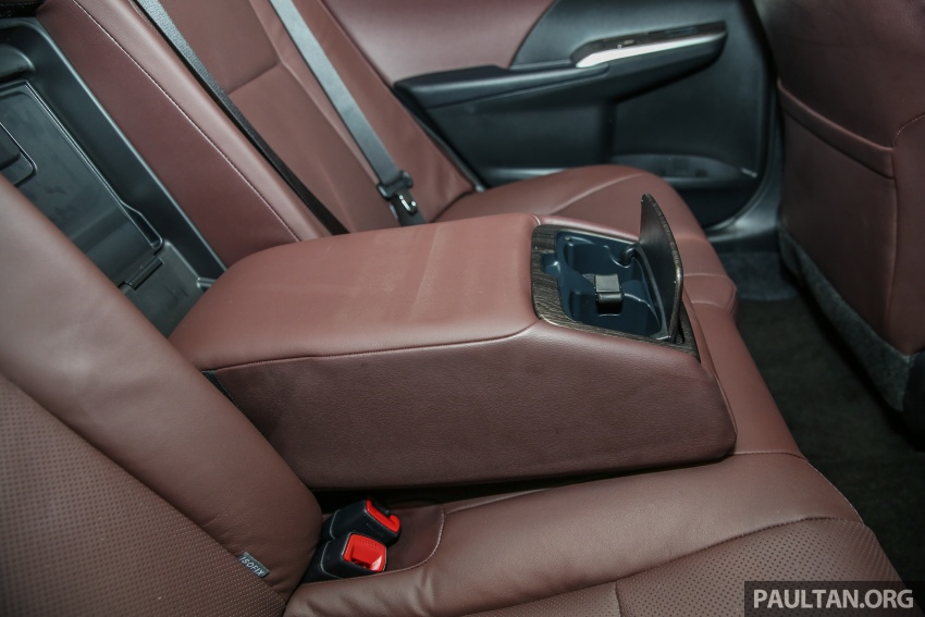 GALLERY: New Toyota Camry 2.0G X shown at Mitsui Image #584993