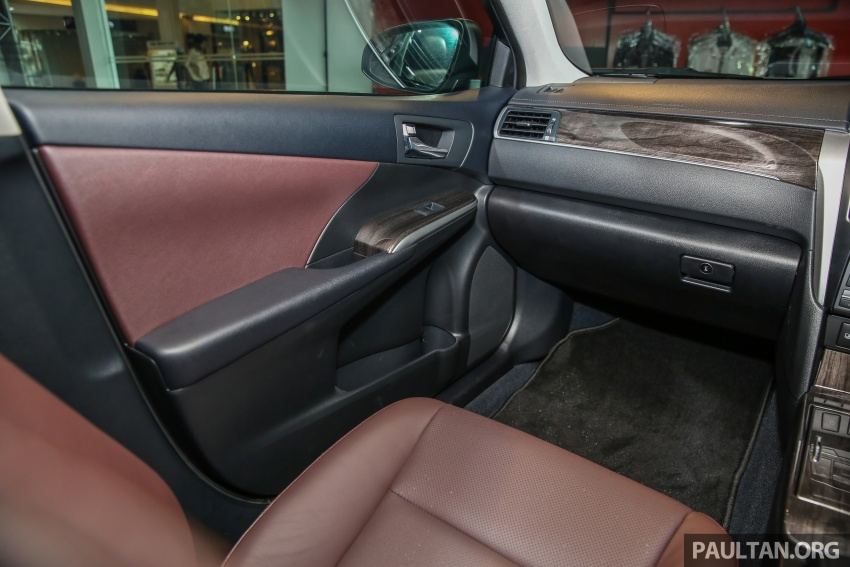 GALLERY: New Toyota Camry 2.0G X shown at Mitsui Image #584997