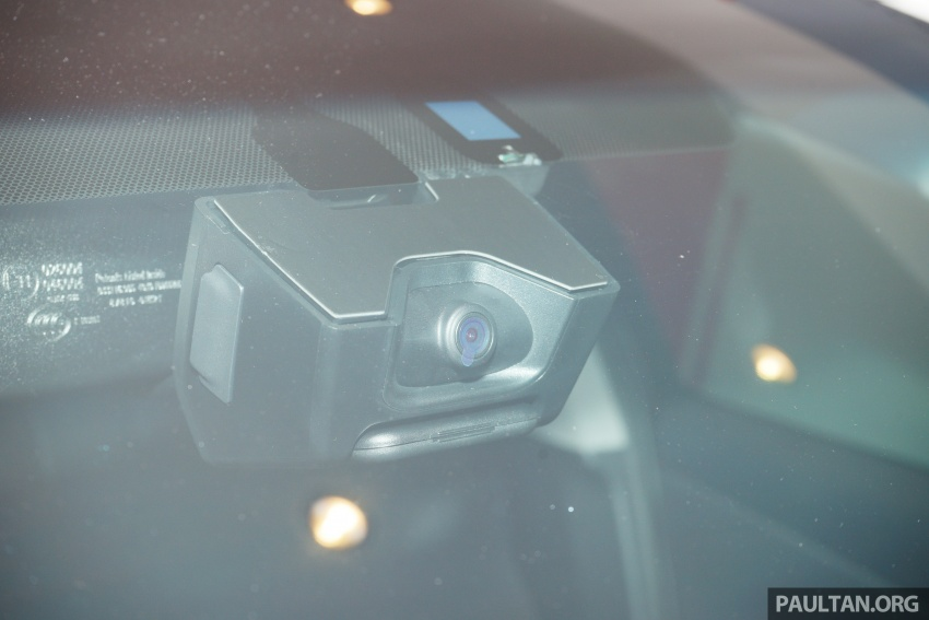 GALLERY: New Toyota Camry Hybrid Luxury variant Image #586155