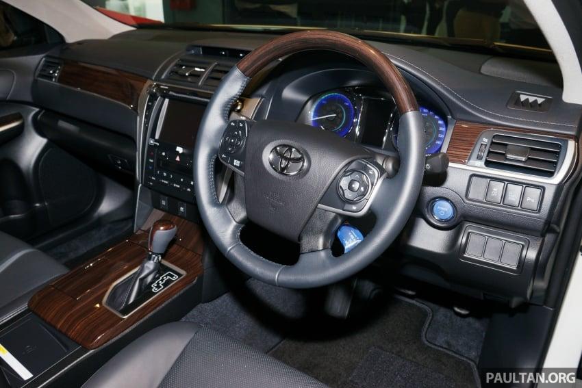 GALLERY: New Toyota Camry Hybrid Luxury variant Image #586161