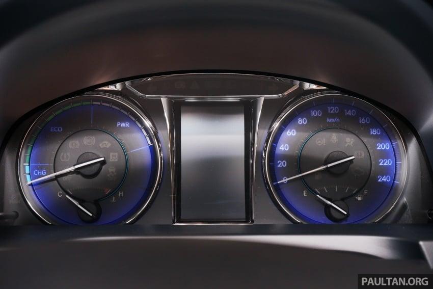 GALLERY: New Toyota Camry Hybrid Luxury variant Image #586165