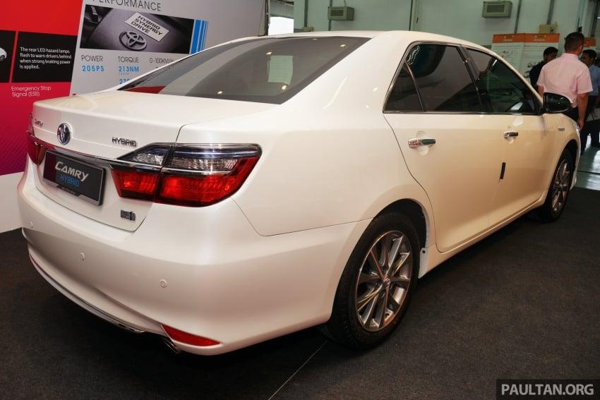 GALLERY: New Toyota Camry Hybrid Luxury variant Image #586133
