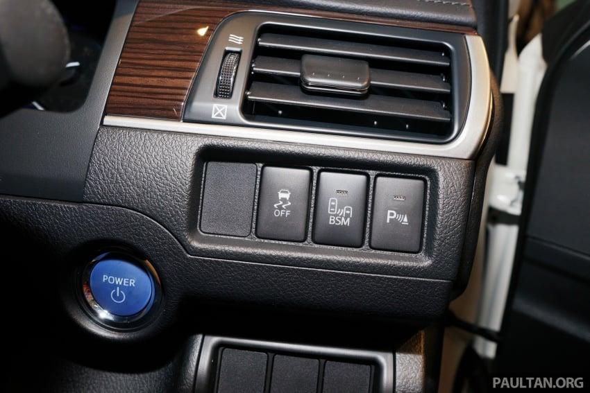 GALLERY: New Toyota Camry Hybrid Luxury variant Image #586172