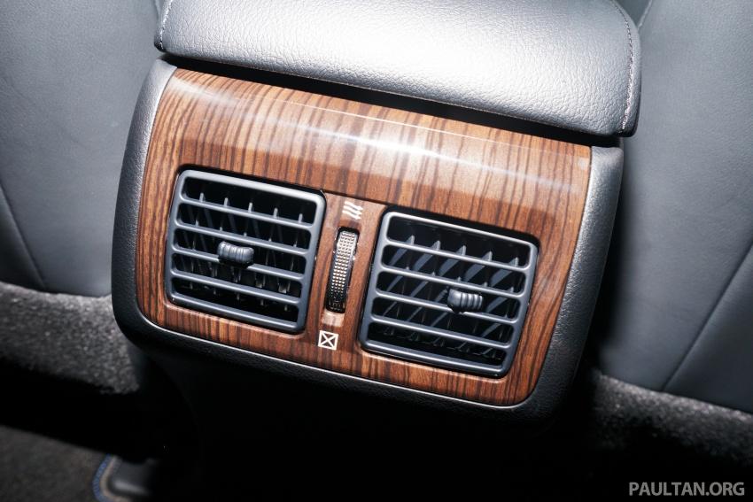 GALLERY: New Toyota Camry Hybrid Luxury variant Image #586176
