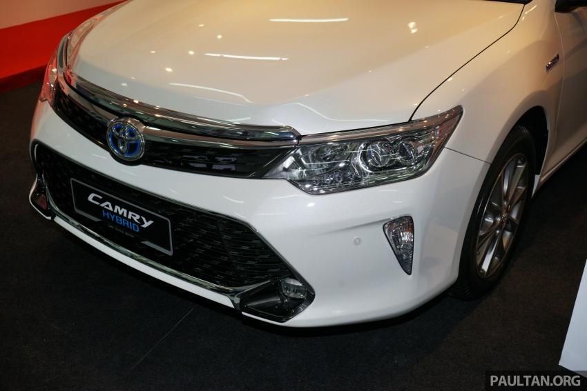 GALLERY: New Toyota Camry Hybrid Luxury variant Image #586136