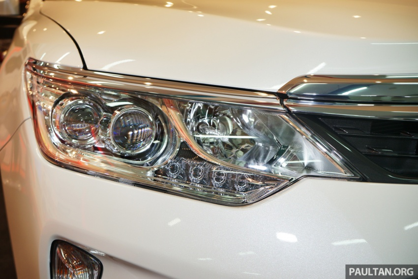 GALLERY: New Toyota Camry Hybrid Luxury variant Image #586137