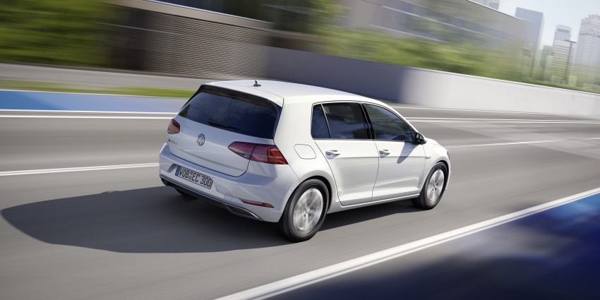 Volkswagen e-Golf facelift – new looks, more range Image #581468